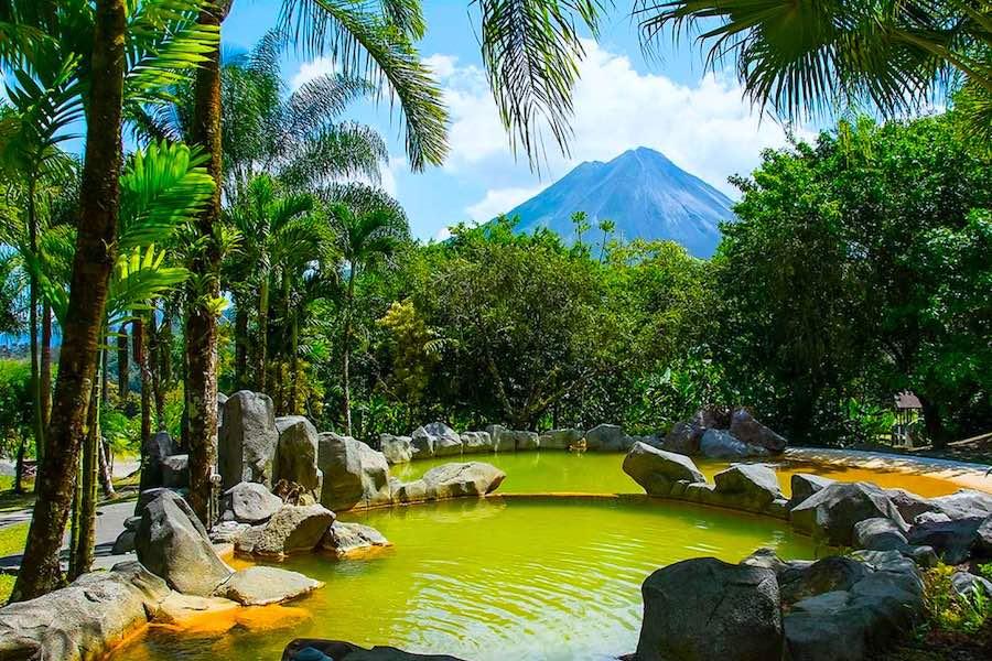 Mietwagen Tour Costa Rica Arenal Paraiso Hot Springs Volcano View